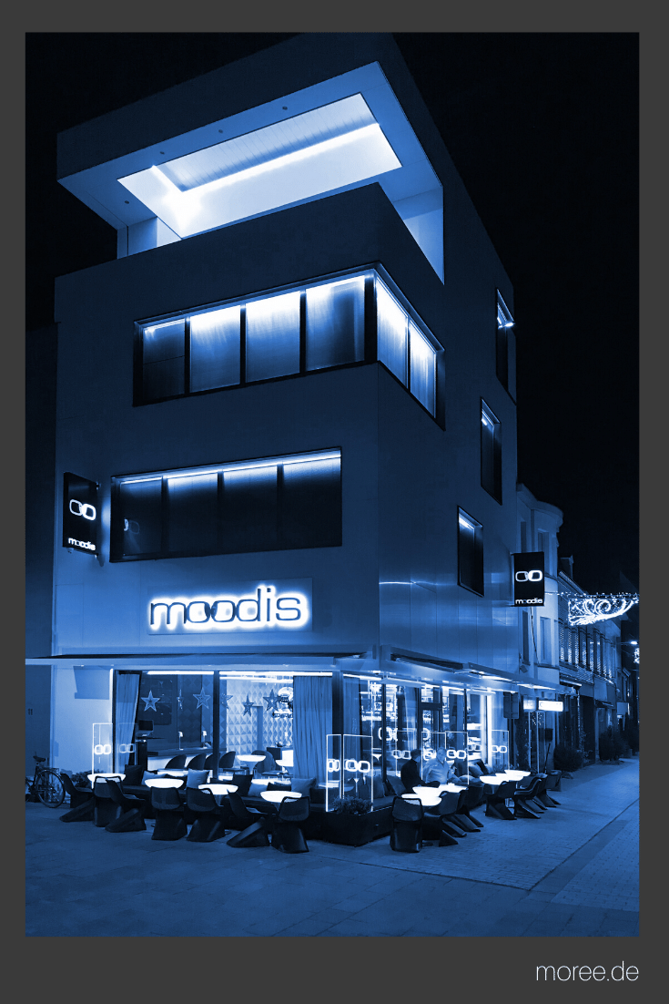 Fassadengestaltung Mit Licht Aussenfassade Moodies Kortrijk Dmx Led In 2020 Fassaden Gestaltung Fassadengestaltung Restaurant Design