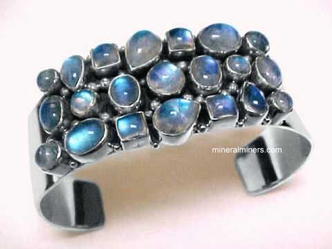 Love me some semiprecious stones. This one is Moonstone.