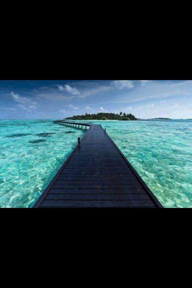 Bora Bora - amazing bridge