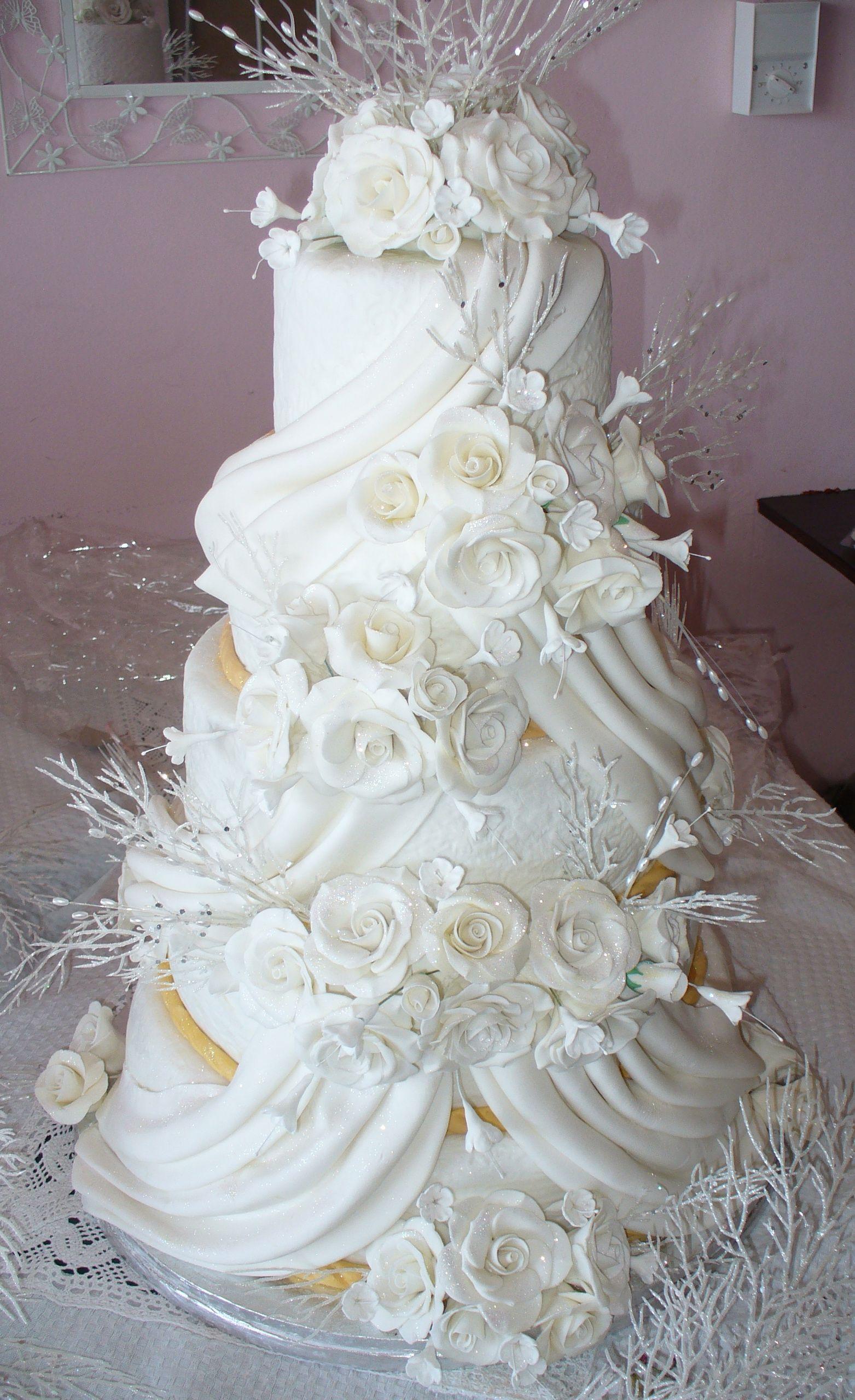 SUMMER SURPRISE WEDDING CAKE Surprise wedding, Wedding