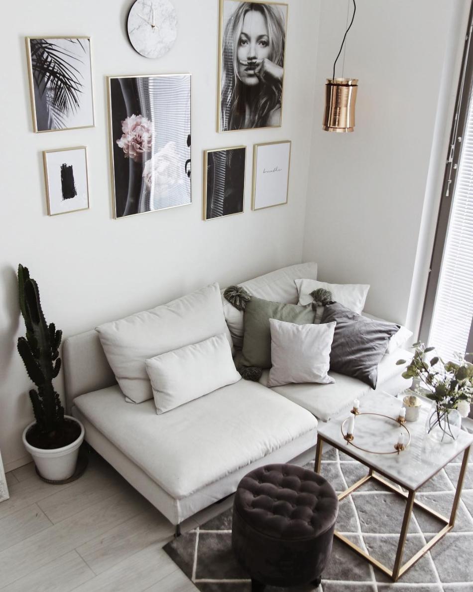 Salon Moderne Chic Tapis Berbere Gris Mur De Cadres Home
