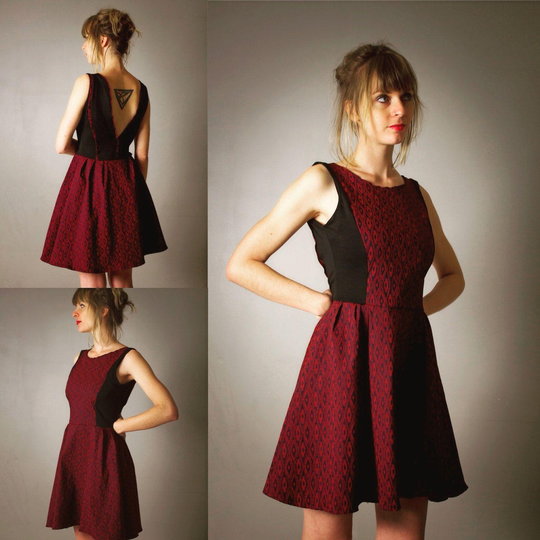 robe pour femme marilyn noire et rouge bordeaux courte et vas e d collet v profond au dos. Black Bedroom Furniture Sets. Home Design Ideas