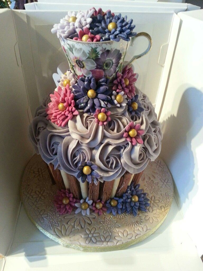 Beautiful vintage giant cupcake the by cupcakes by Victoria Hartlepool