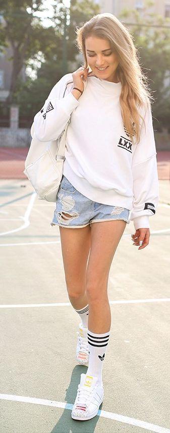 Centro comercial desvanecerse dolor  Adidas - #Adidas #socksdesign   Long socks outfit, Adidas originals outfit,  Sock outfits