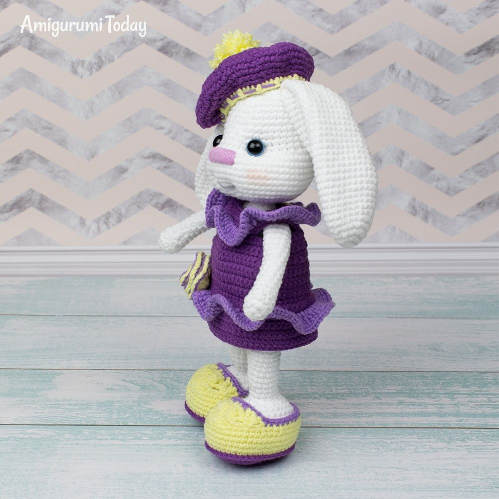 Ravelry: Pretty bunny amigurumi in dress pattern by Amigurumi Today | 1000x1000
