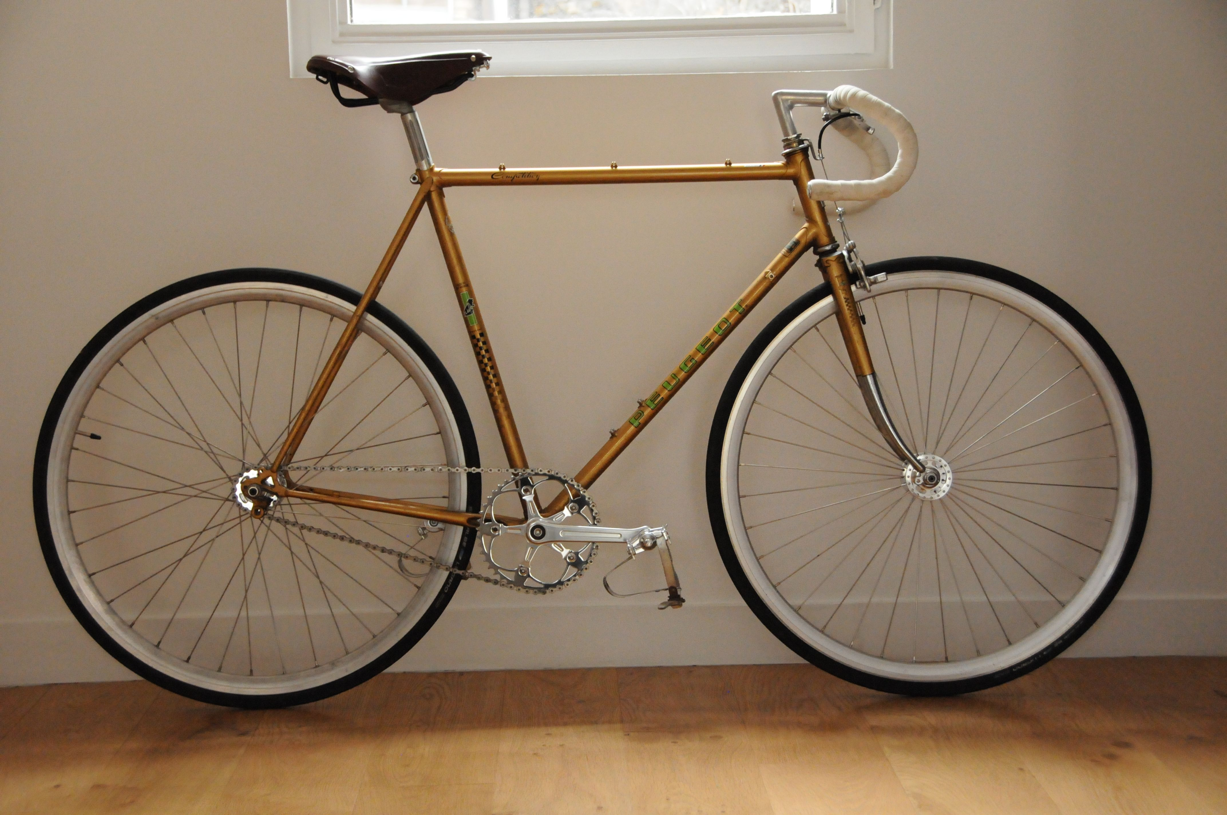 vintage peugeot fixed gear bikes bicycle fixie bike. Black Bedroom Furniture Sets. Home Design Ideas