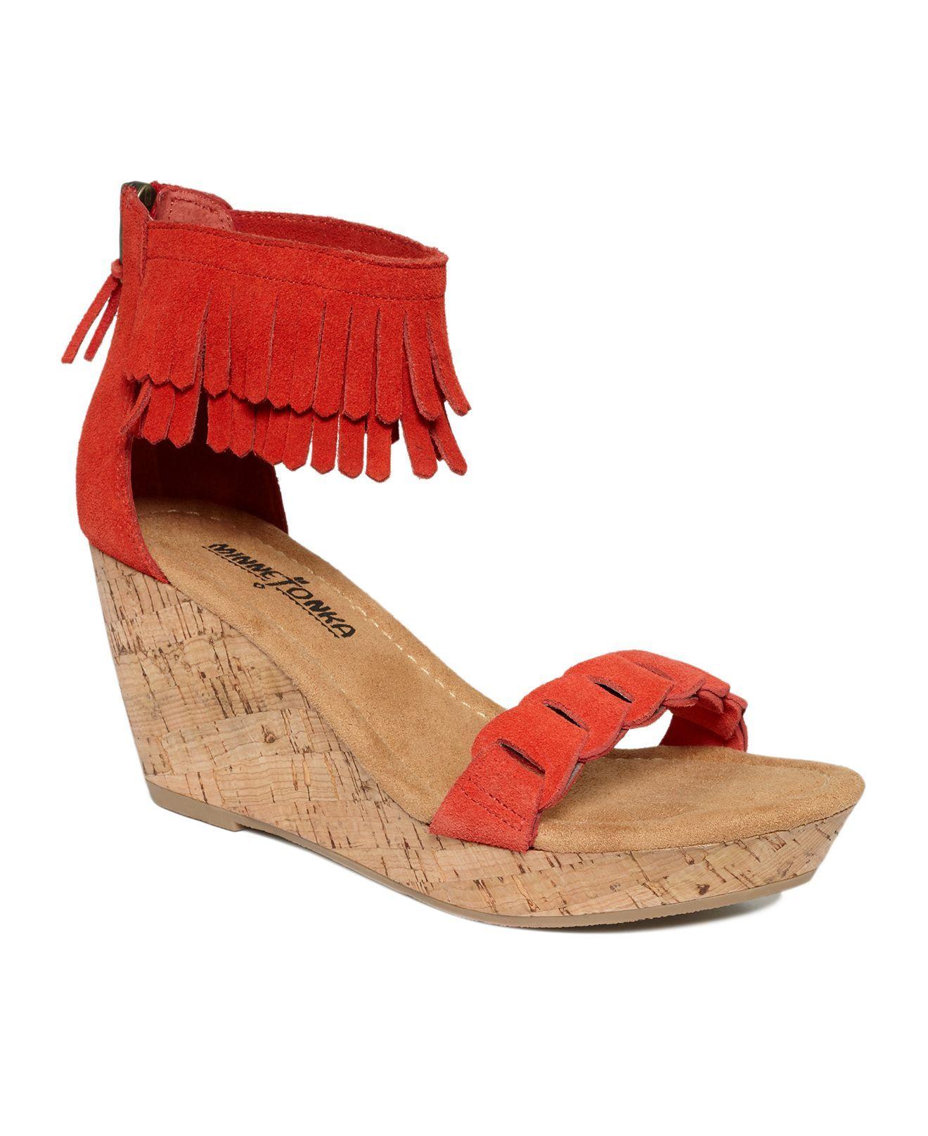 Minnetonka Poppy Wedge Sandal tCs3kDJpBR