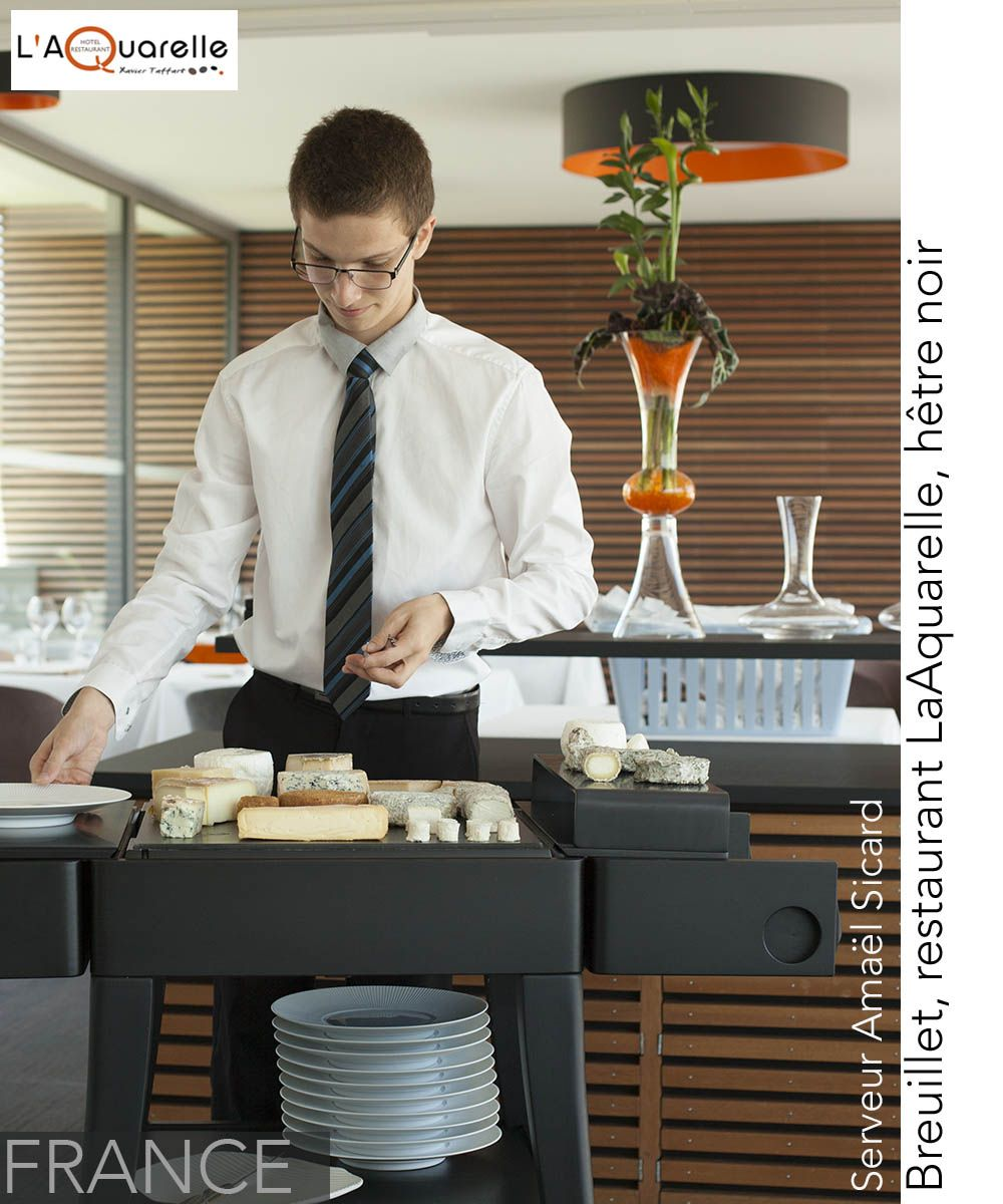 Keza Au Service Du Fromage Serving Cheese With Keza Outlook