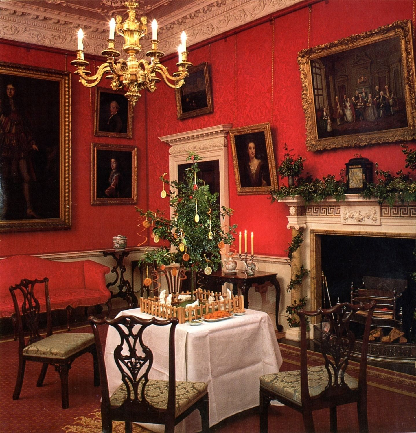Keeping Christmas All The Year: This Is The Type Of Tree That Fairfax House Recreate Every