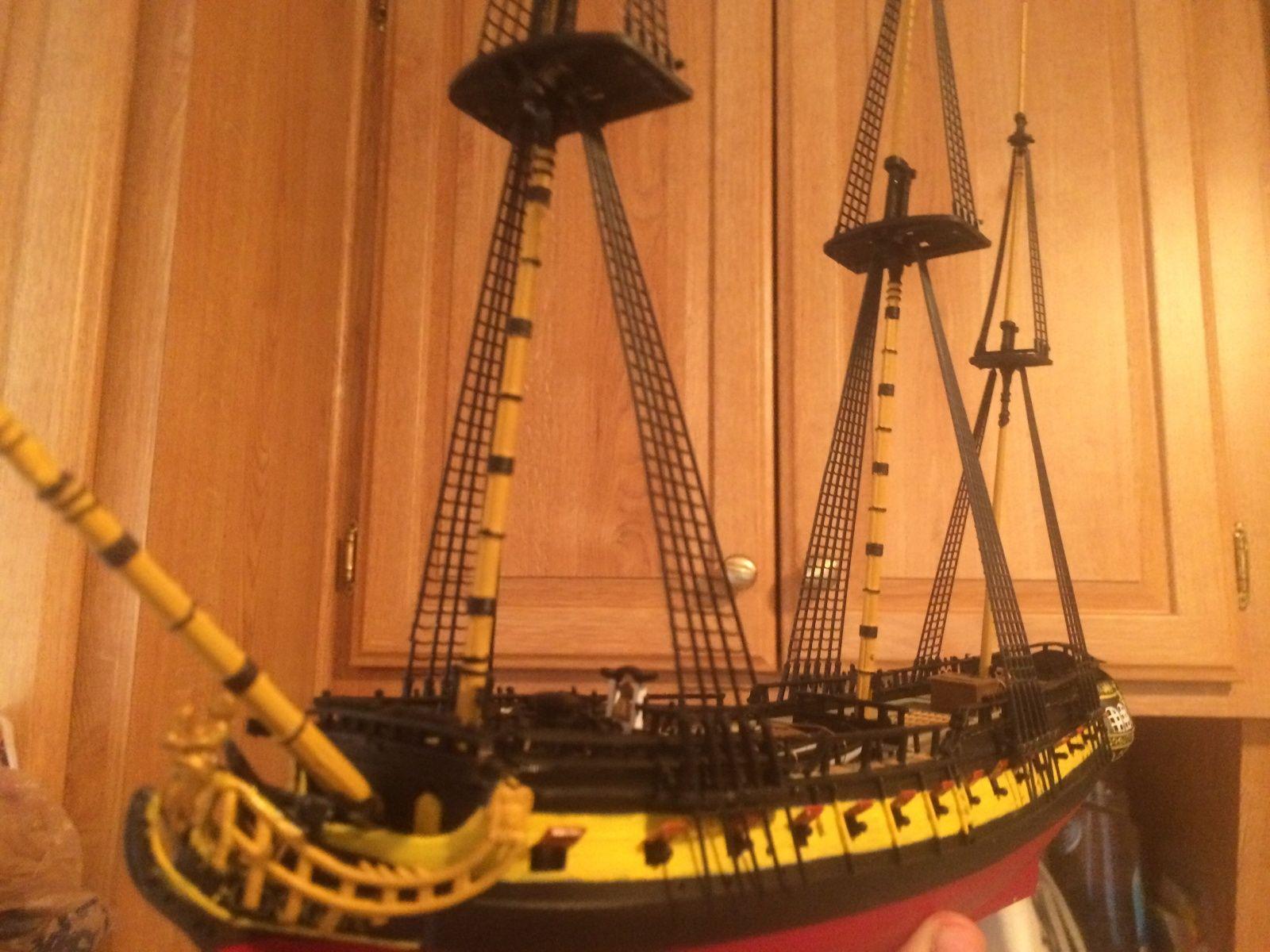 Lindberg 1//130 scale Jolly Roger