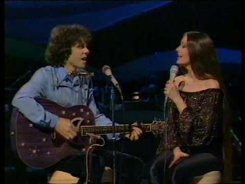 Donovan & Crystal Gayle - Catch the Wind - love both of them & this rendition