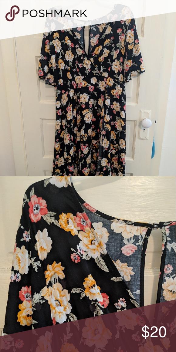f10c733341d Torrid Floral Dress Floral dress (torrid size 1) I ve only worn once ...