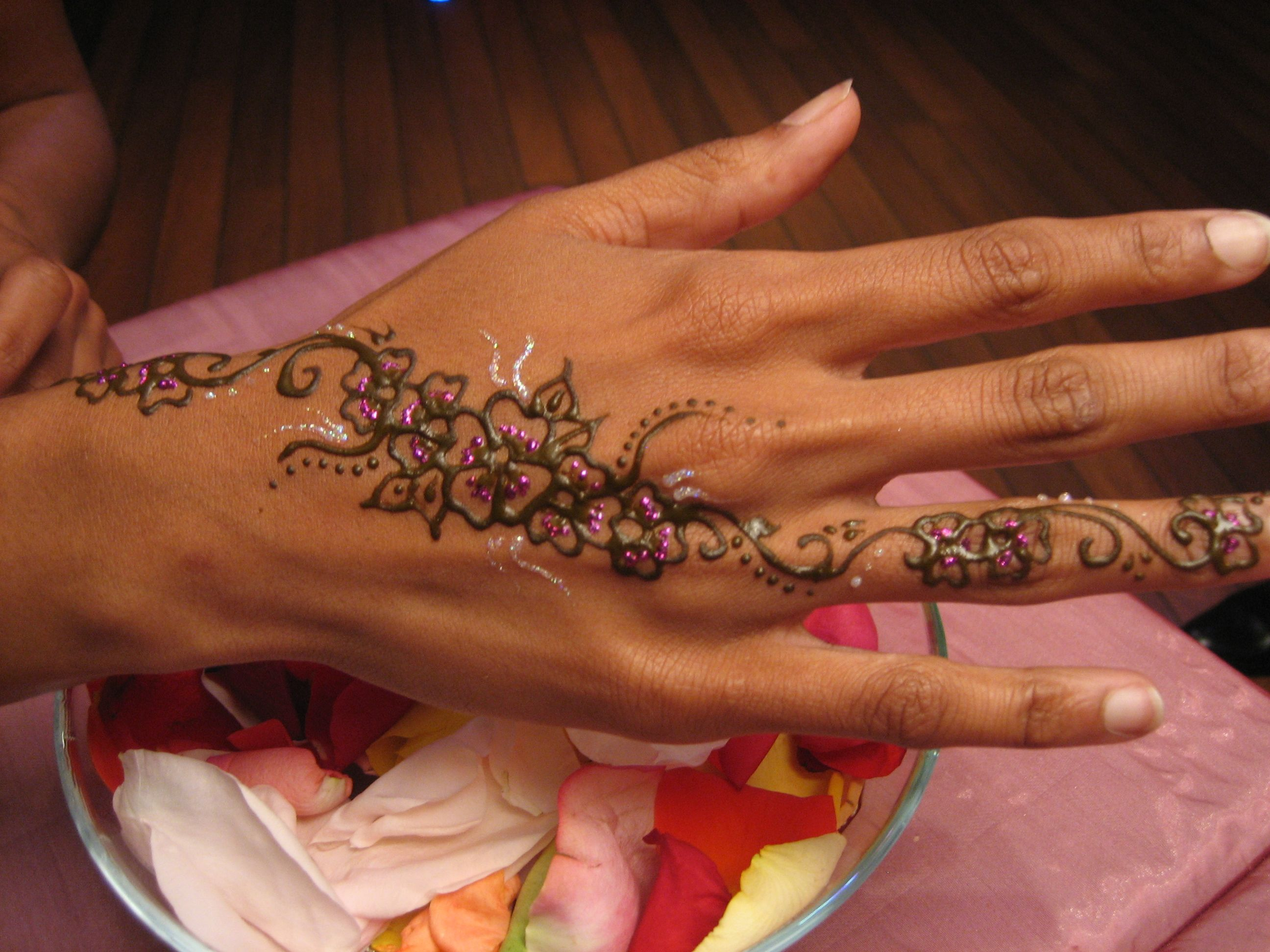 tatouage plus mariage pinterest tatouages henn et le henn. Black Bedroom Furniture Sets. Home Design Ideas