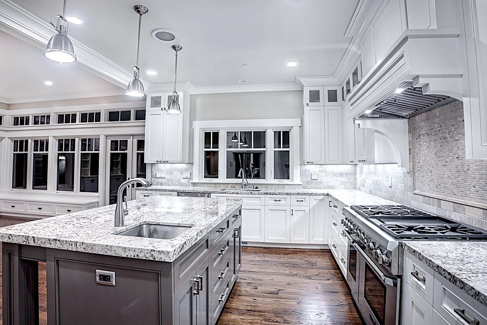 Kitchen Backsplash Ideas For White Cabinets And White