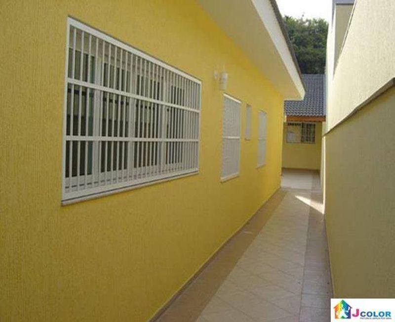 Casas amarelas com branco