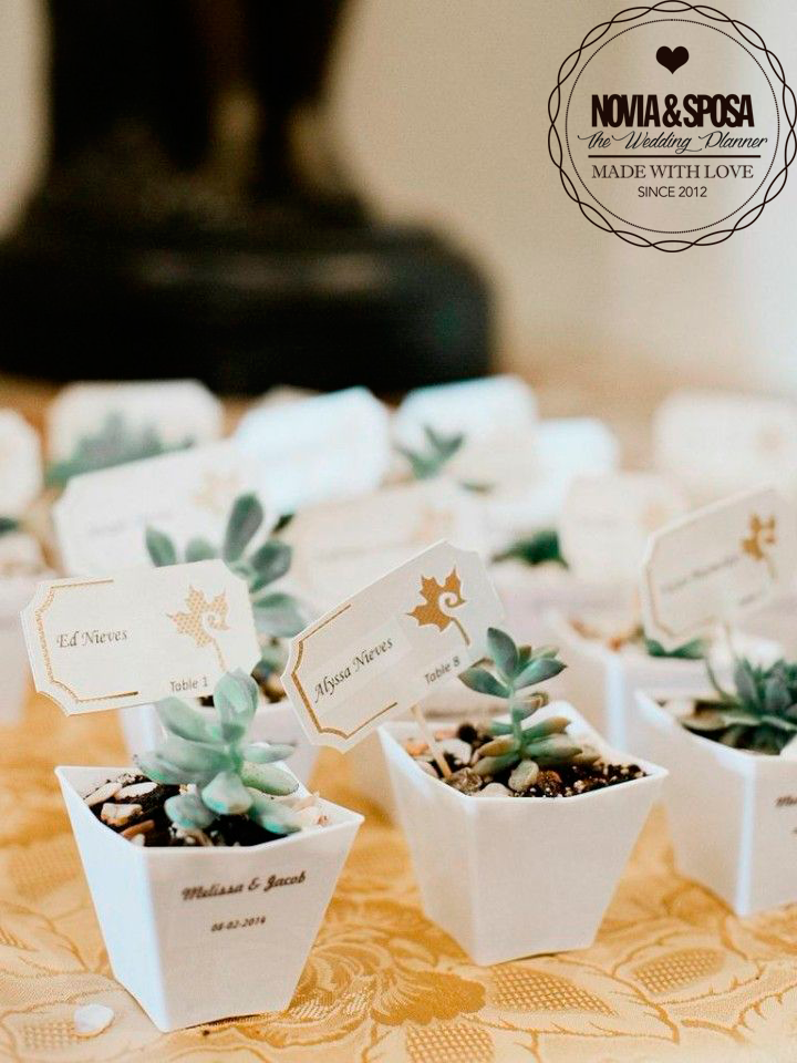 cute and unique wedding guest gift idea guest table place marker works well if