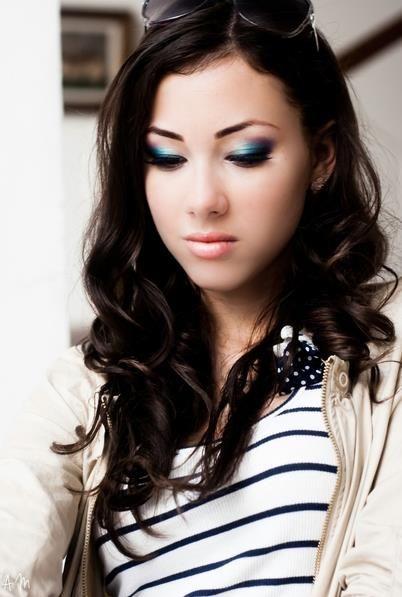 blue eyeshadow done right:)