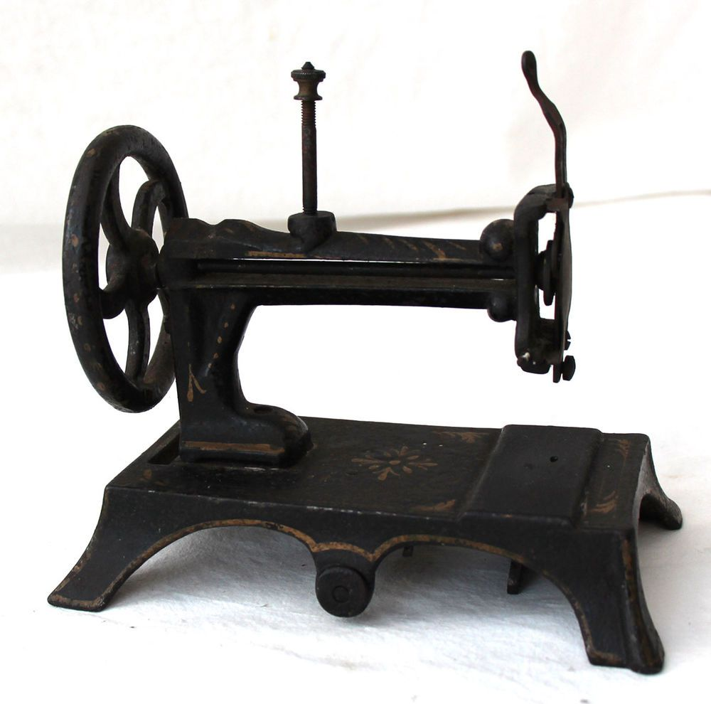 machine coudre jouet fonte ancienne 19 eme old sewing machine n hmaschine 19th toy. Black Bedroom Furniture Sets. Home Design Ideas
