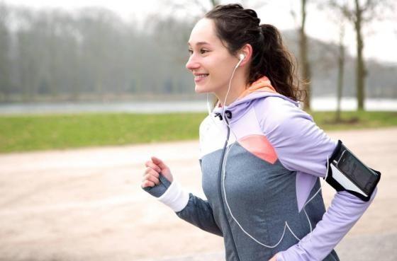 Pour tenir votre résolution, évitez de vous fier à ces quatre mythes sur le sport et la perte de poids.