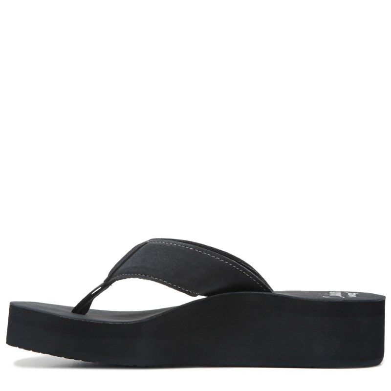 bf0cde46f4d Reef Women s Reef Cushion Butter Flip Flop Shoes (Black)