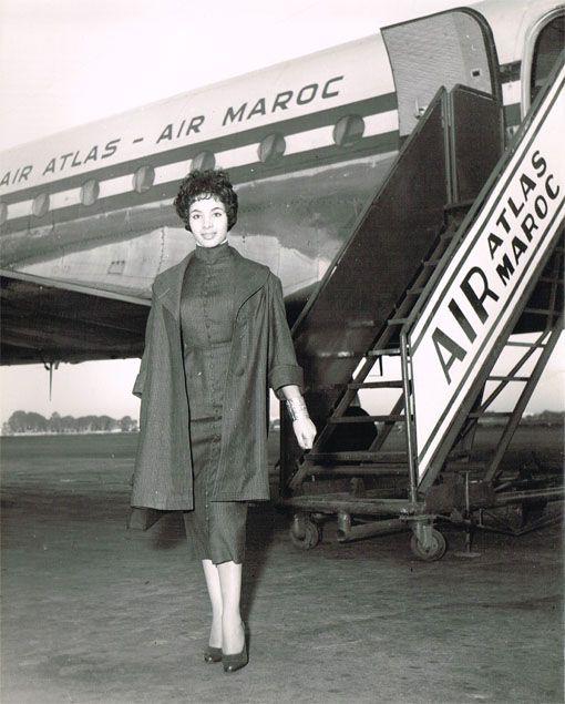Une Hotesse De L Air Atlas Maroc En 1954 Marrakech Hotel