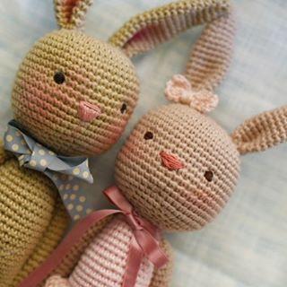 Happy Thursday everyone!! Just took several shots of them cuties before seperating the two♥Enjoy! #mesanimauxaucrochet #amigurumilove #amigurumitherapy #yarntherapy #kawaii #bunniesworldwide