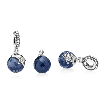 c0cae34f656 Charm Pendentif Lune et Etoile Bleu Nuit 59€