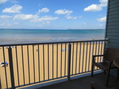 Sugar Beach Resort Hotel Traverse City Michigan Features A Private Heated Indoor Pool And Continental Breakfast