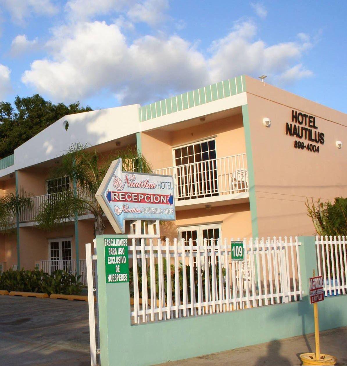 Hotel Nautilus A Sólo Pasos Del Poblado La Parguera Lajas Puerto Rico