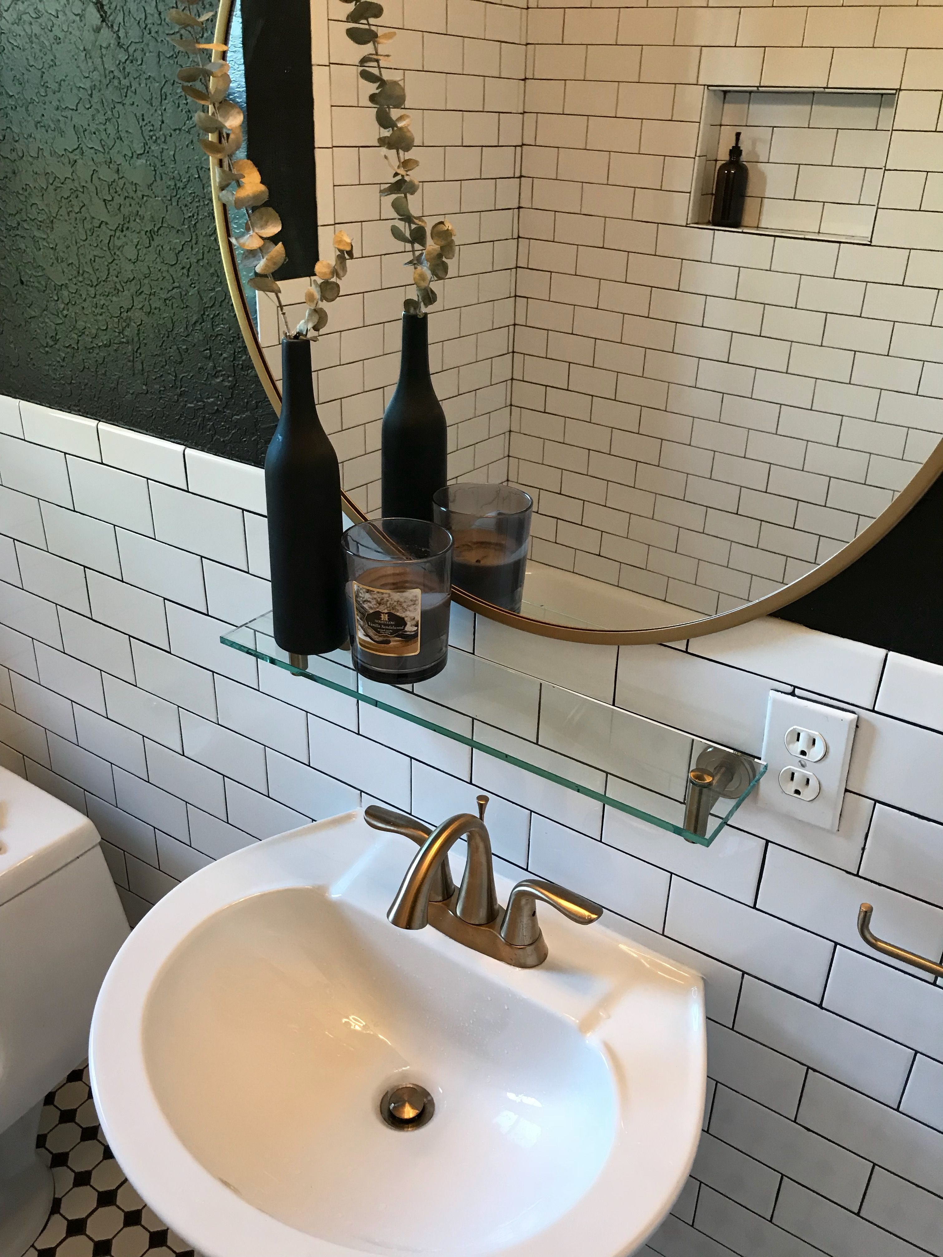 Classic new york vibes subway tiles with black grout black walls classic new york vibes subway tiles with black grout black walls gold accessories my small bathroom remodel design pinterest black grout dailygadgetfo Choice Image