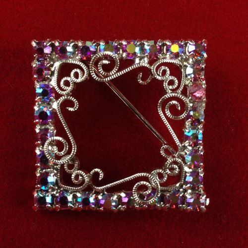I'm auctioning 'Vintage Pink AB Rhinestone Diamond Shaped Pin' on #tophatter