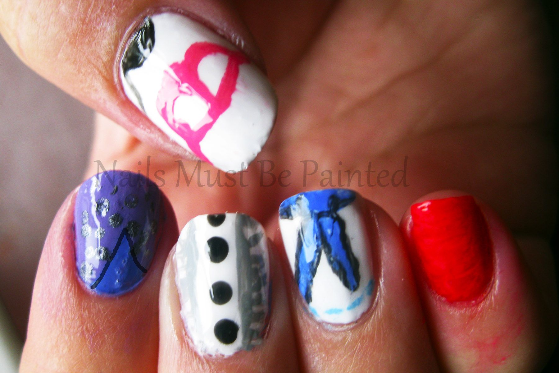 Nail art inspired by the film u dressesu for the llama nail