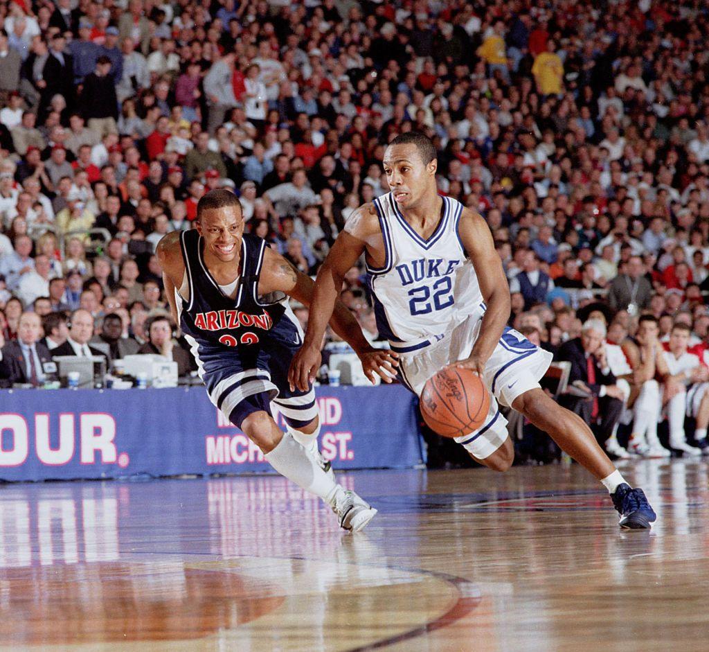 bcee115c8ba University of Arizona guard Jason Gardner and Duke guard Jason ...