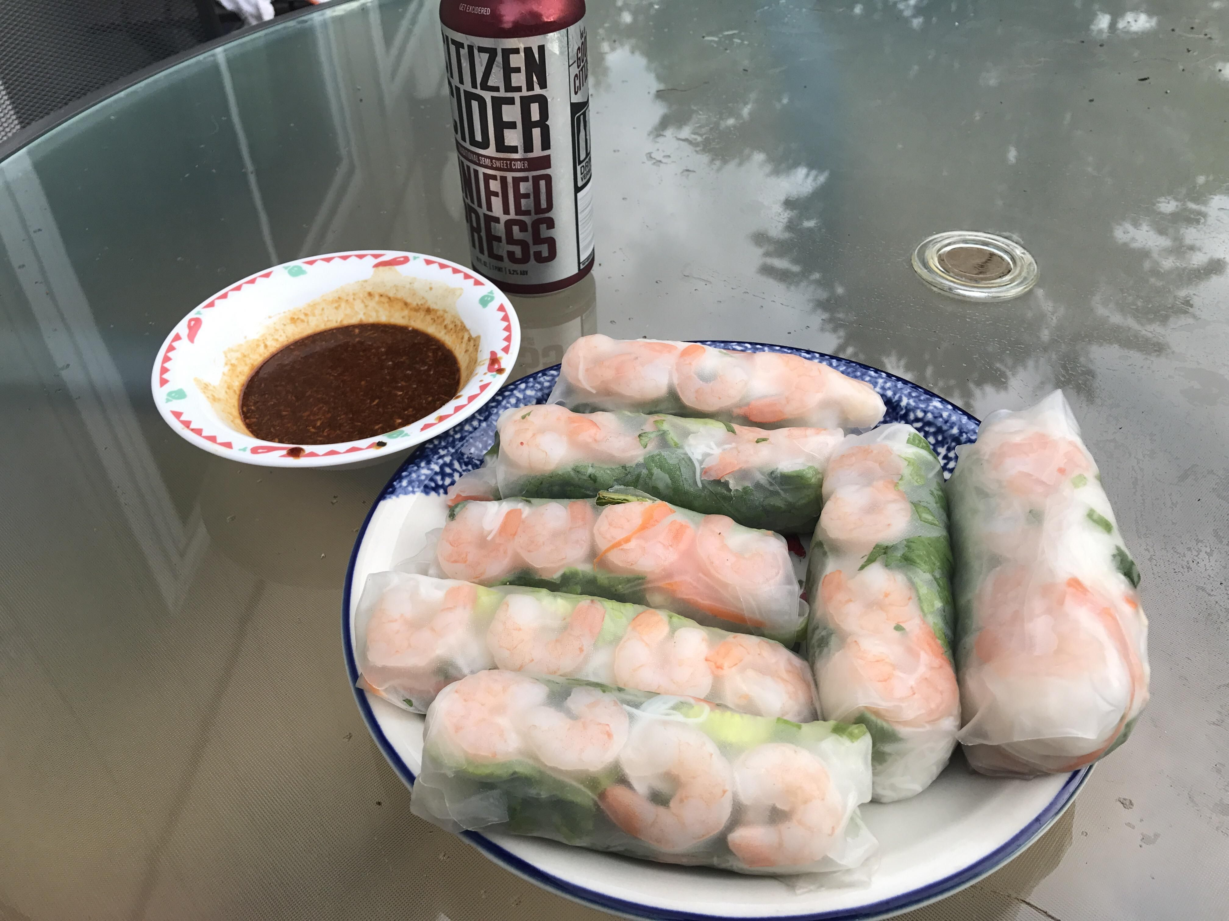 [homemade] Shrimp spring rolls with peanut butter sauce