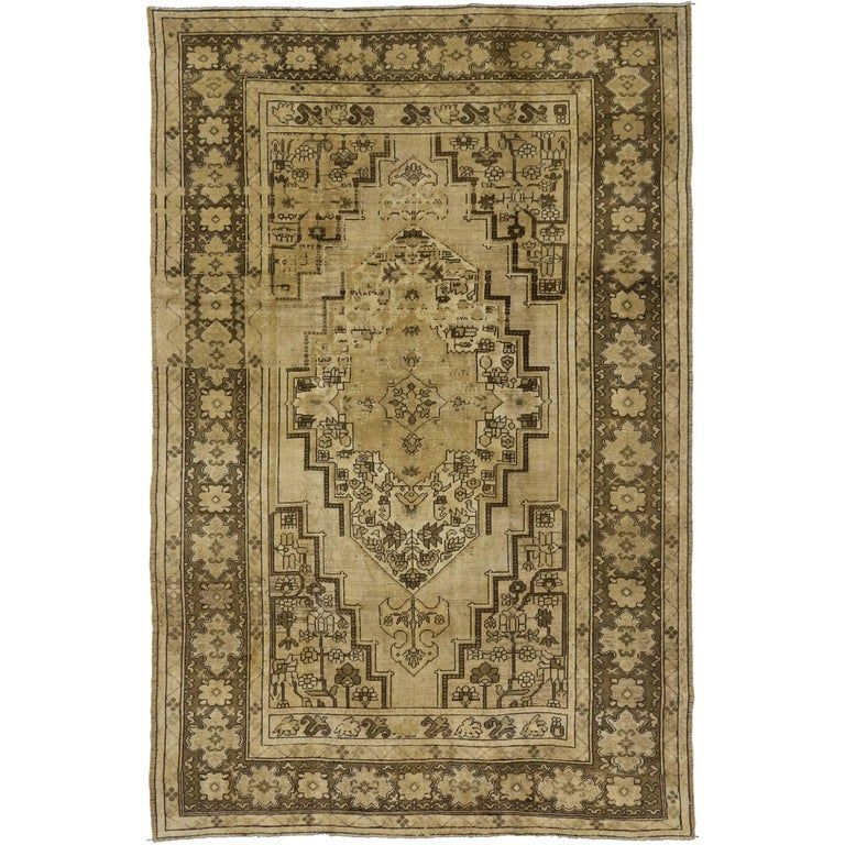 Vintage Turkish Oushak Rug With Traditional Style And Warm Earth-tones