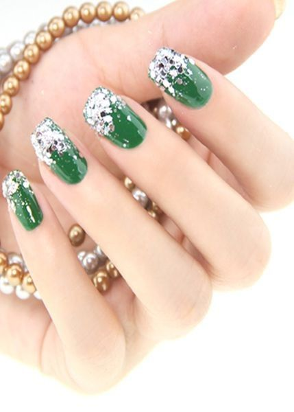 emerald green christmas nail diamond