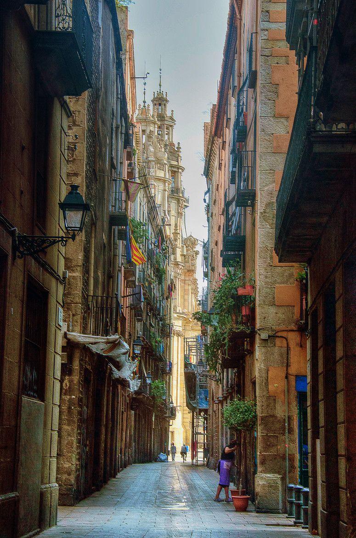 paseando por el casco antiguo de barcelona catalunya everyone s creative travel spot. Black Bedroom Furniture Sets. Home Design Ideas