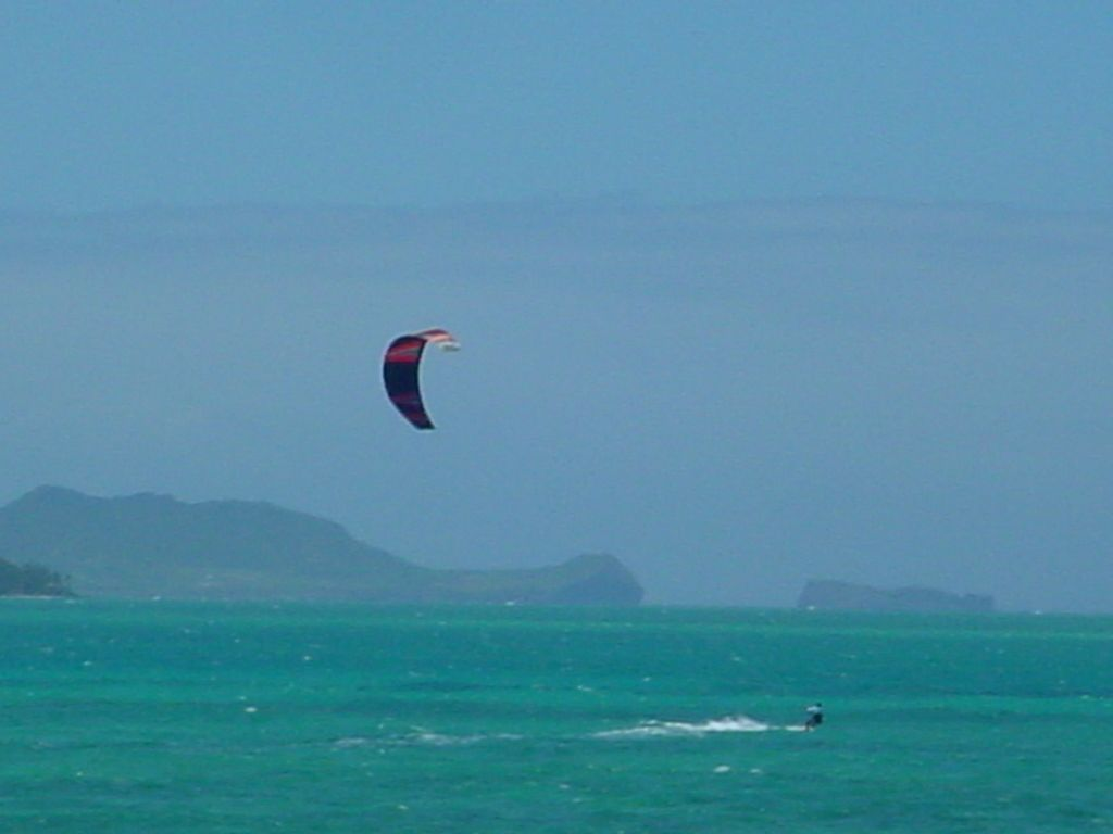 kite surfing on Oahu