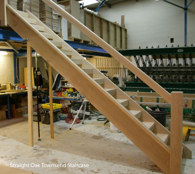 Best Straight Chunky Oak Townsend Staircase Staircase Stairs 400 x 300