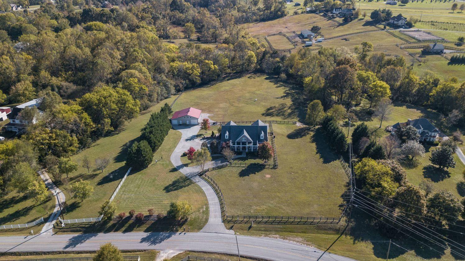 Equestrian estate for sale in williamson county