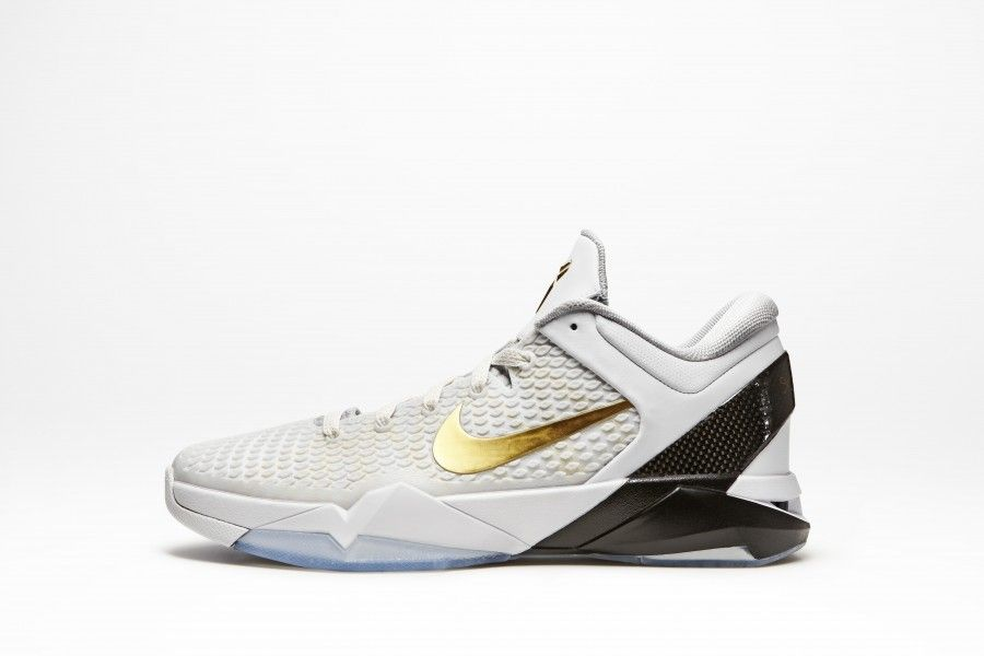 These Nike Zoom Kobe VII Elites just look FAST! Like you will turn into a  gazelle, jump over oncoming traffic, then run a marathon!