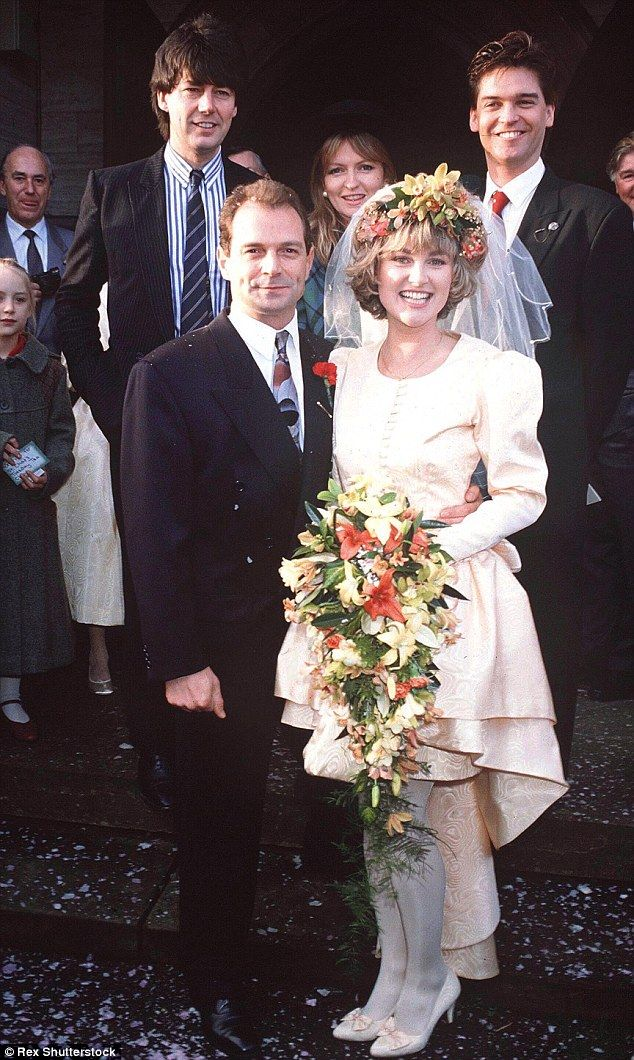 The worst celebrity wedding dresses ever | Phillip ...