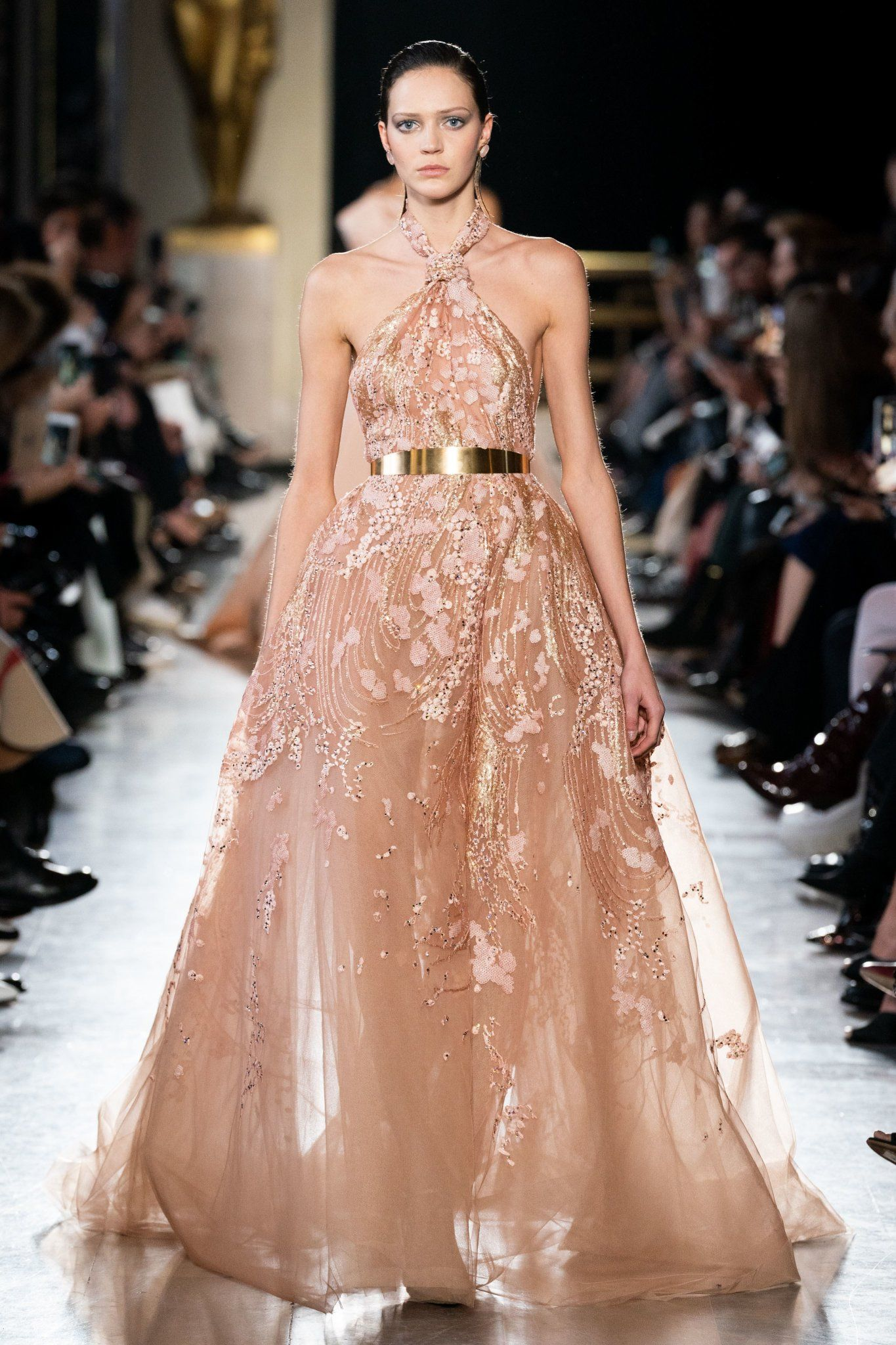 𝚋𝚎𝚕𝚕𝚊 on in 2019 | High Queen | Elie saab couture