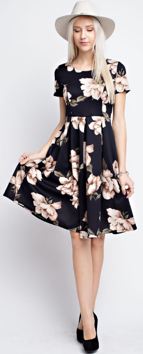 6a57906052 Modest floral dress Print And Floral Floral Dress Outfits, Black Floral  Dresses, Modest Outfits