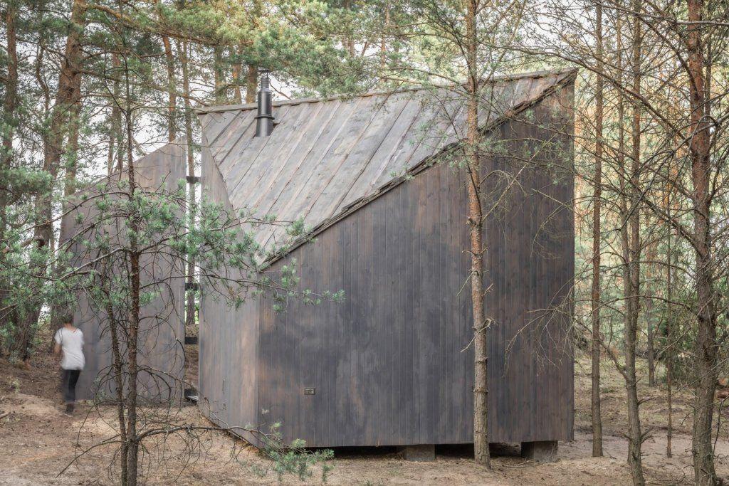 Une petite maison au design bois de 35m2 pour passer ses week-ends (et vous pouvez la louer