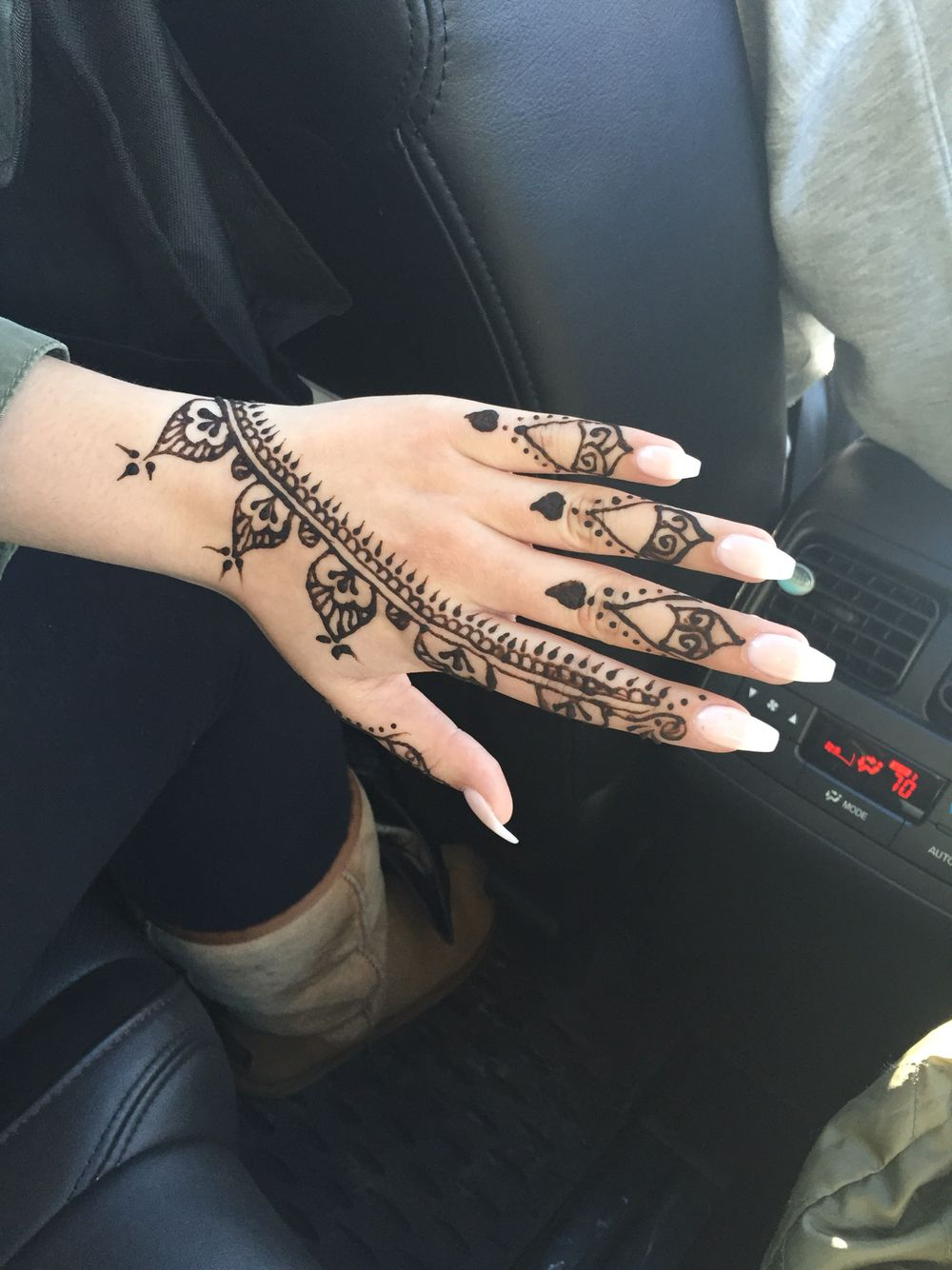 Henna tattoo me pleaseee pinterest hennas and tattoo