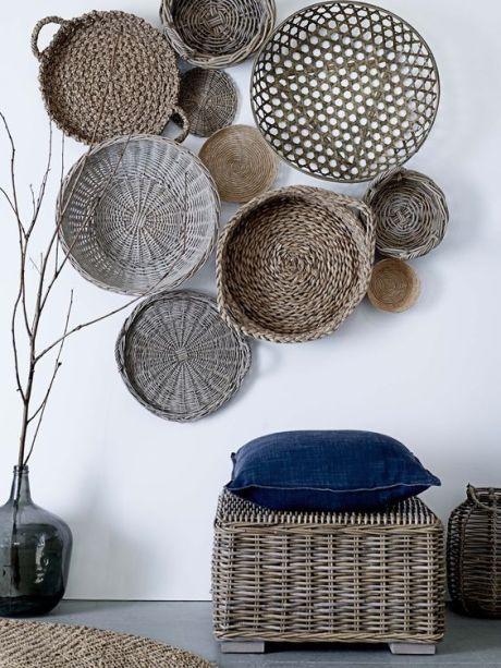 Tendência: 20 ambientes com paredes decoradas com cestos