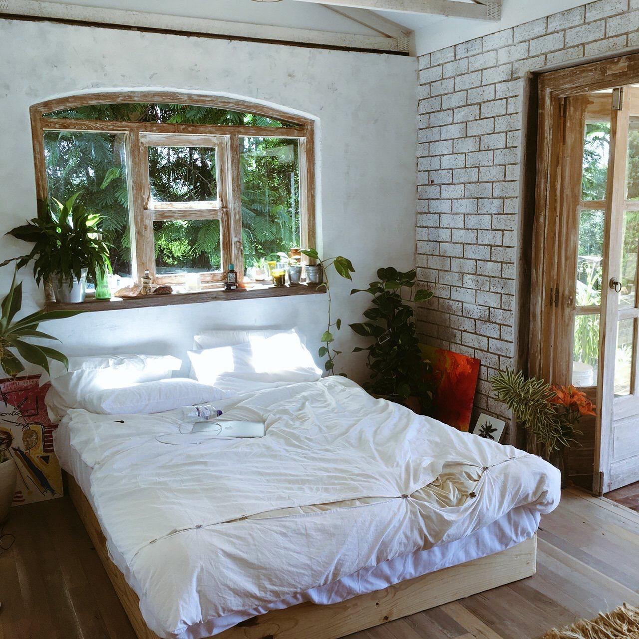Pin By Lauren Mukalian On Melancholic Scenes Luxurious Bedrooms Zen Bedroom Decor Elegant Home Decor