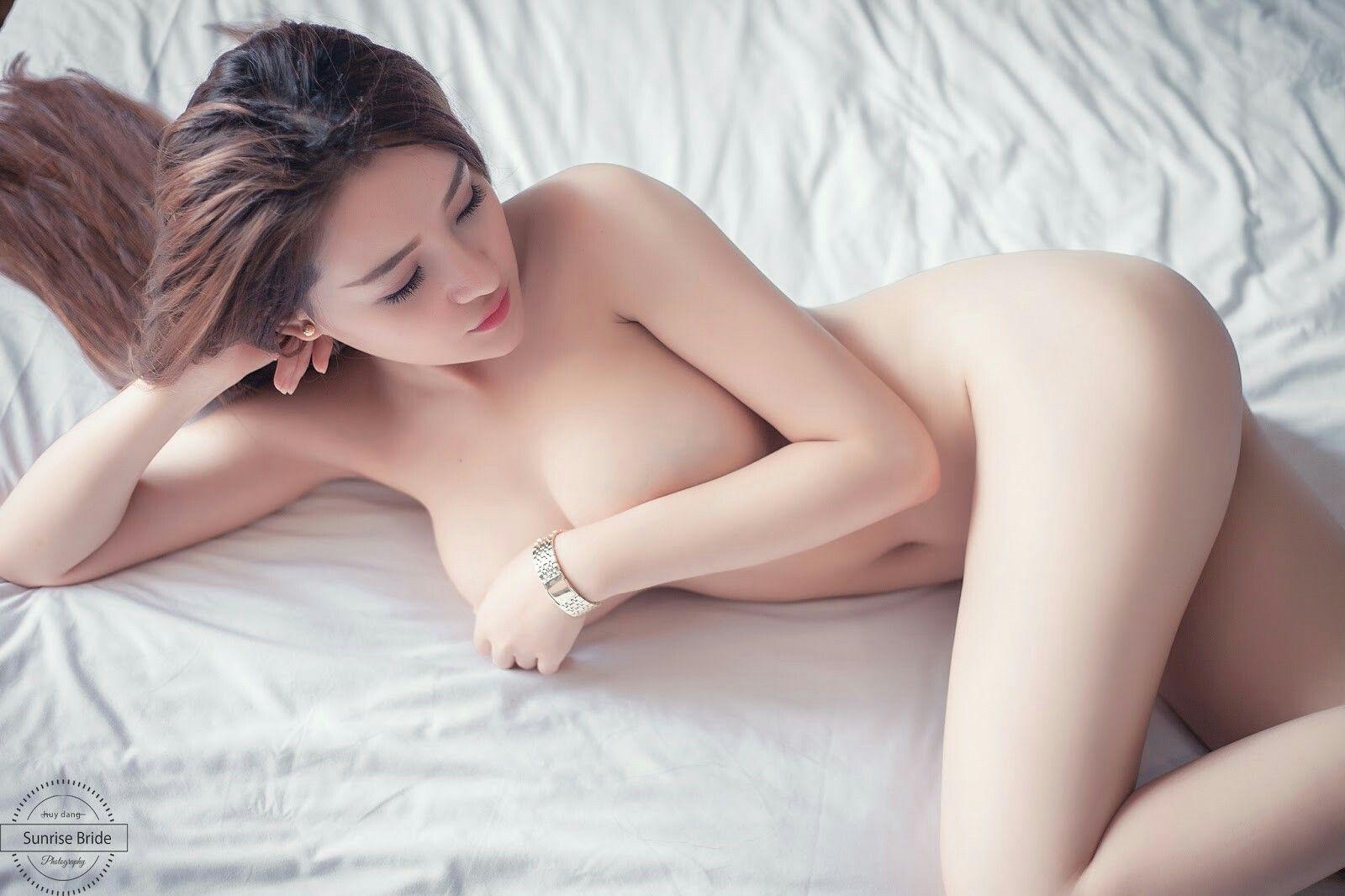 Nake vietnam girl #15