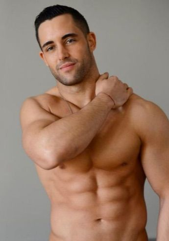 Hot muslin naked bodybuilder